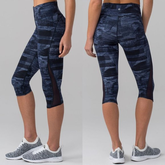 """Lululemon Navy Printed Luxtreme High Rise Train Times Crop 17"""""""